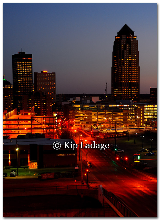 Des Moines at Dusk - Image 241082 Full