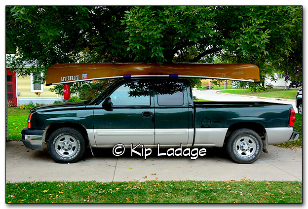 Adirondack Canoe on Top of Truck - Image 285150