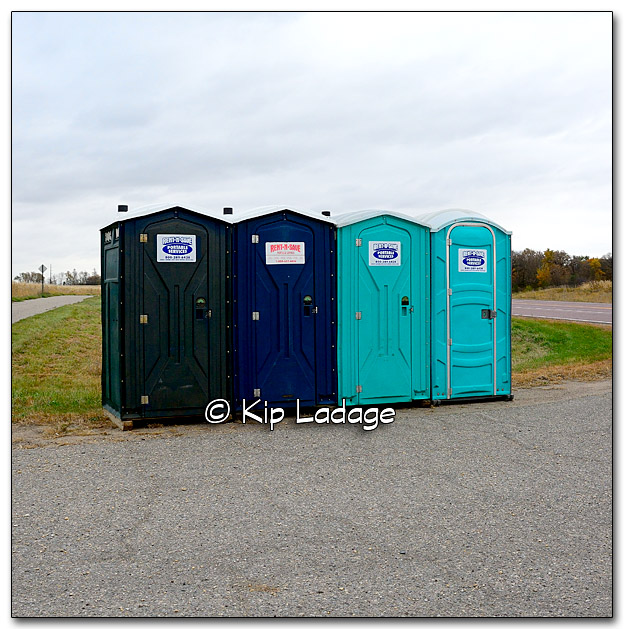Porta-Potties - Image 286014