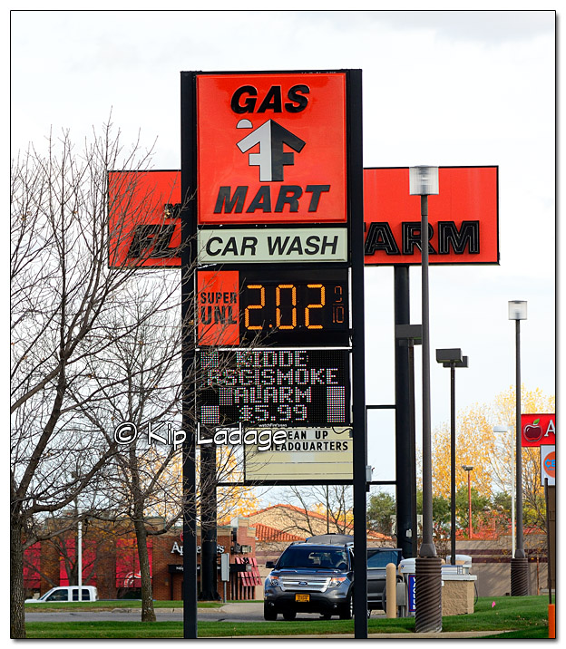 Fuel Price in Mason City - Image 470766 (© Kip Ladage)