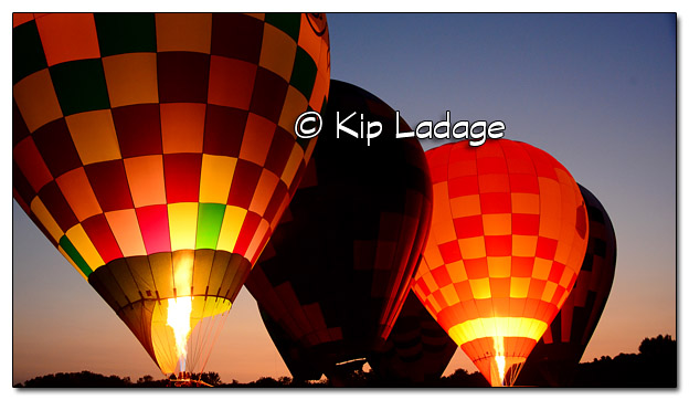 "Lake Red Rock Hot Air Balloon Festival ""Balloon Glow"" - Image 511780 (© Kip Ladage)"