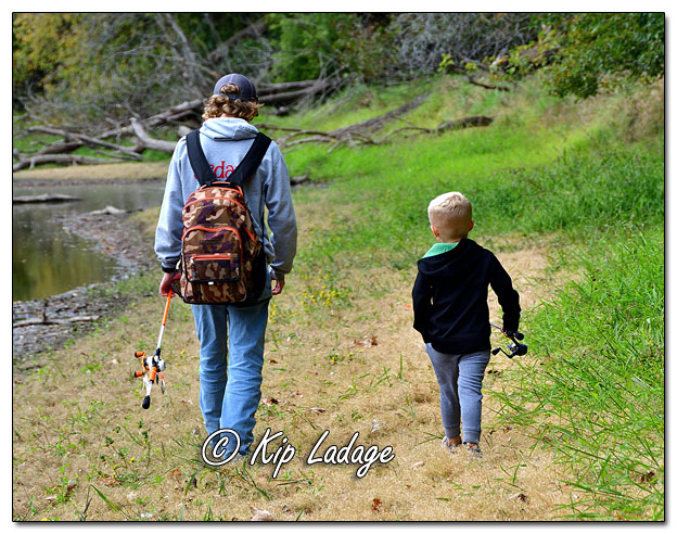 Logan and Jordan Going Fishing in Wapsipinicon River - Image 656053 (© Kip Ladage)